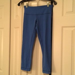 Lululemon navy / blue crop leggings sz 4 57895